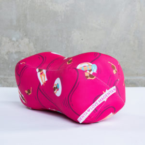 Duffle pillow, magenta